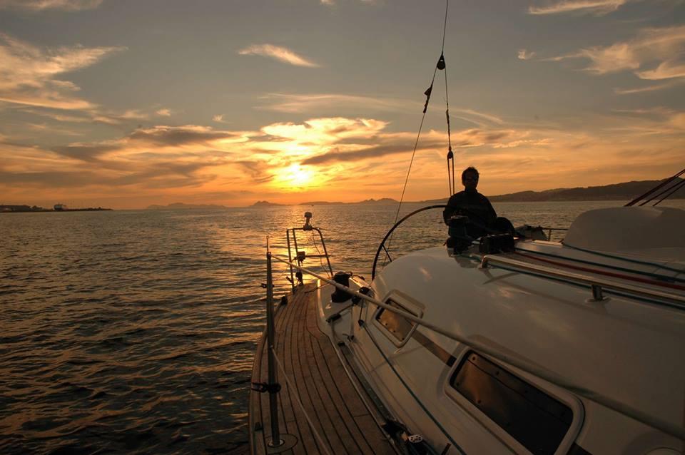 Paseo en Velero a las Islas Cíes