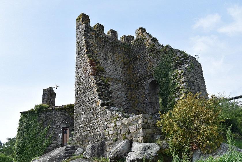 Ruinas de las Torres del Oeste