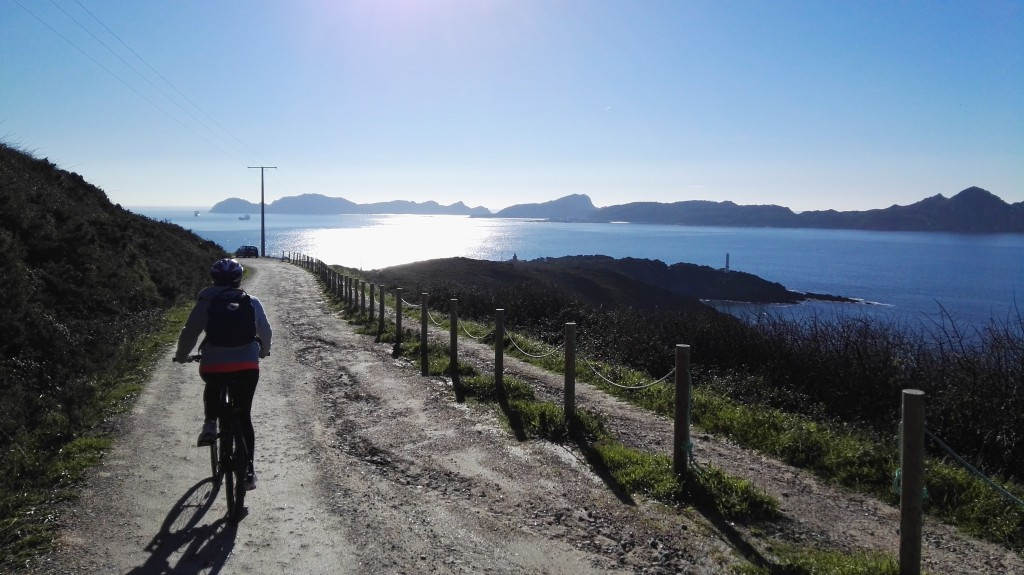 ruta en bici por costa da vela