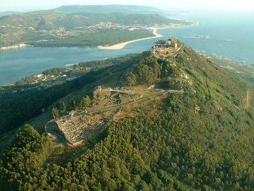 Qué ver en la costa de Pontevedra. Monte y Castro santa tecla
