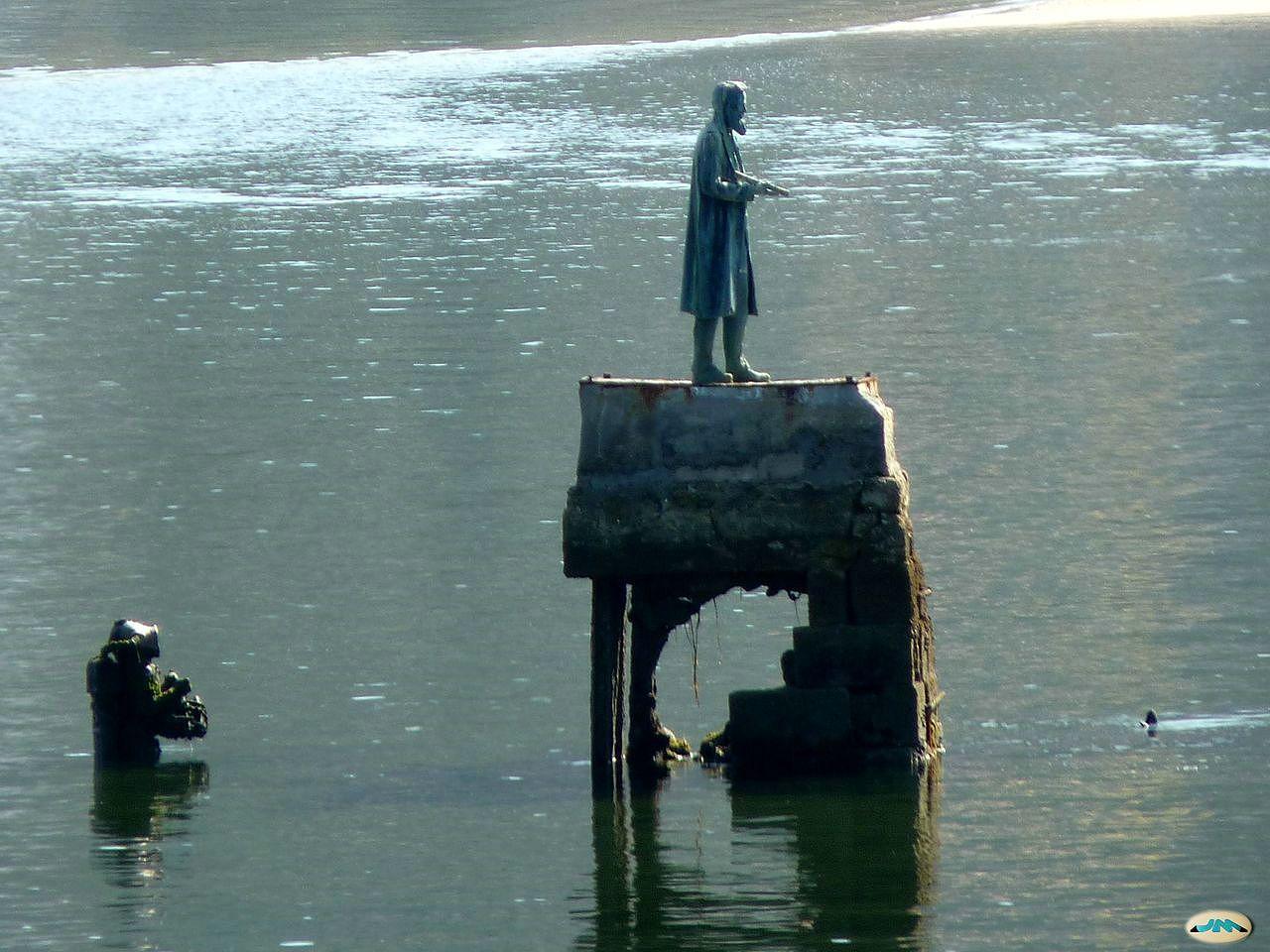 monumento capitán nemo
