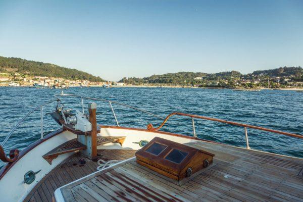 ruta calas paseo barco ría de aldán