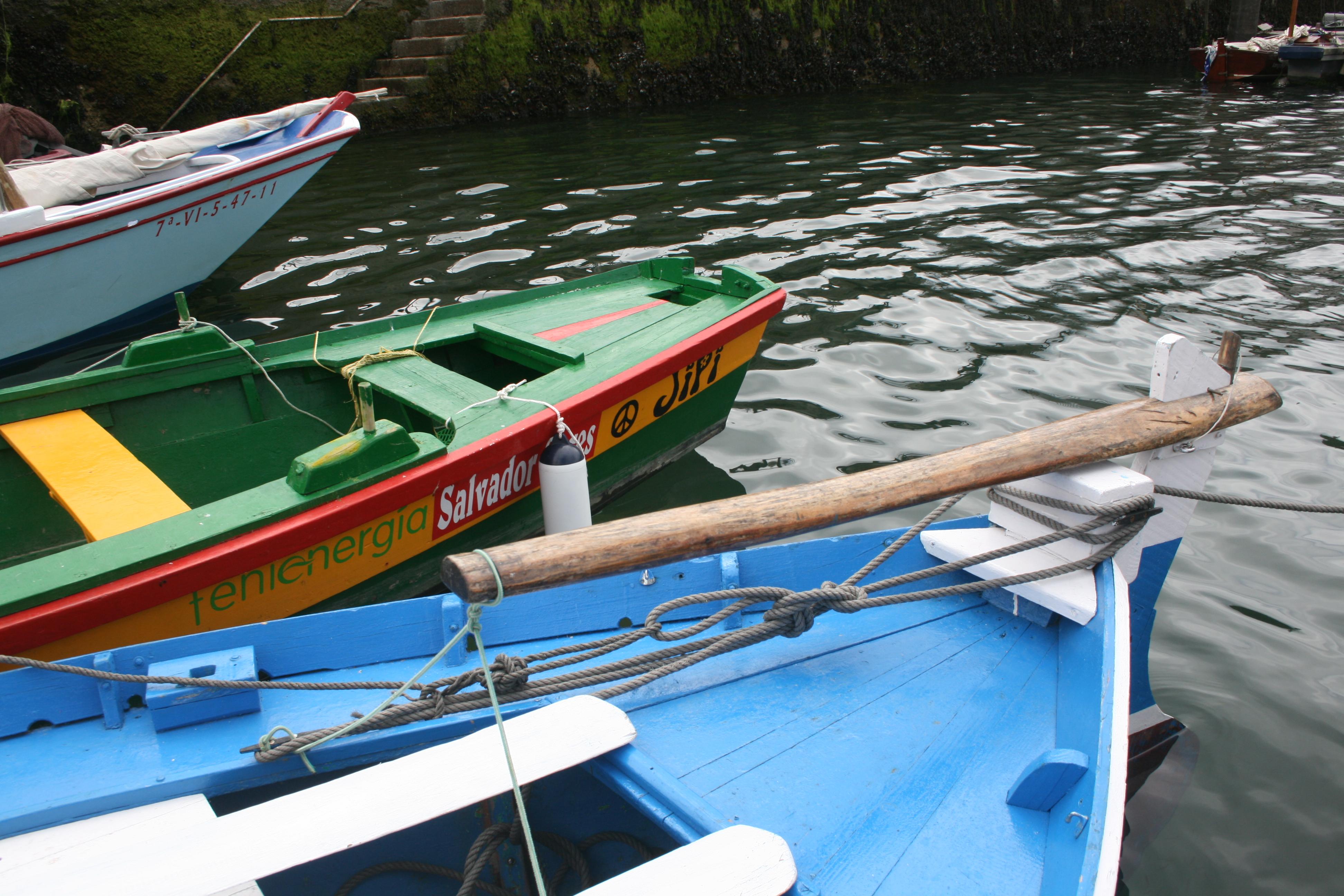 Barcos en muelle