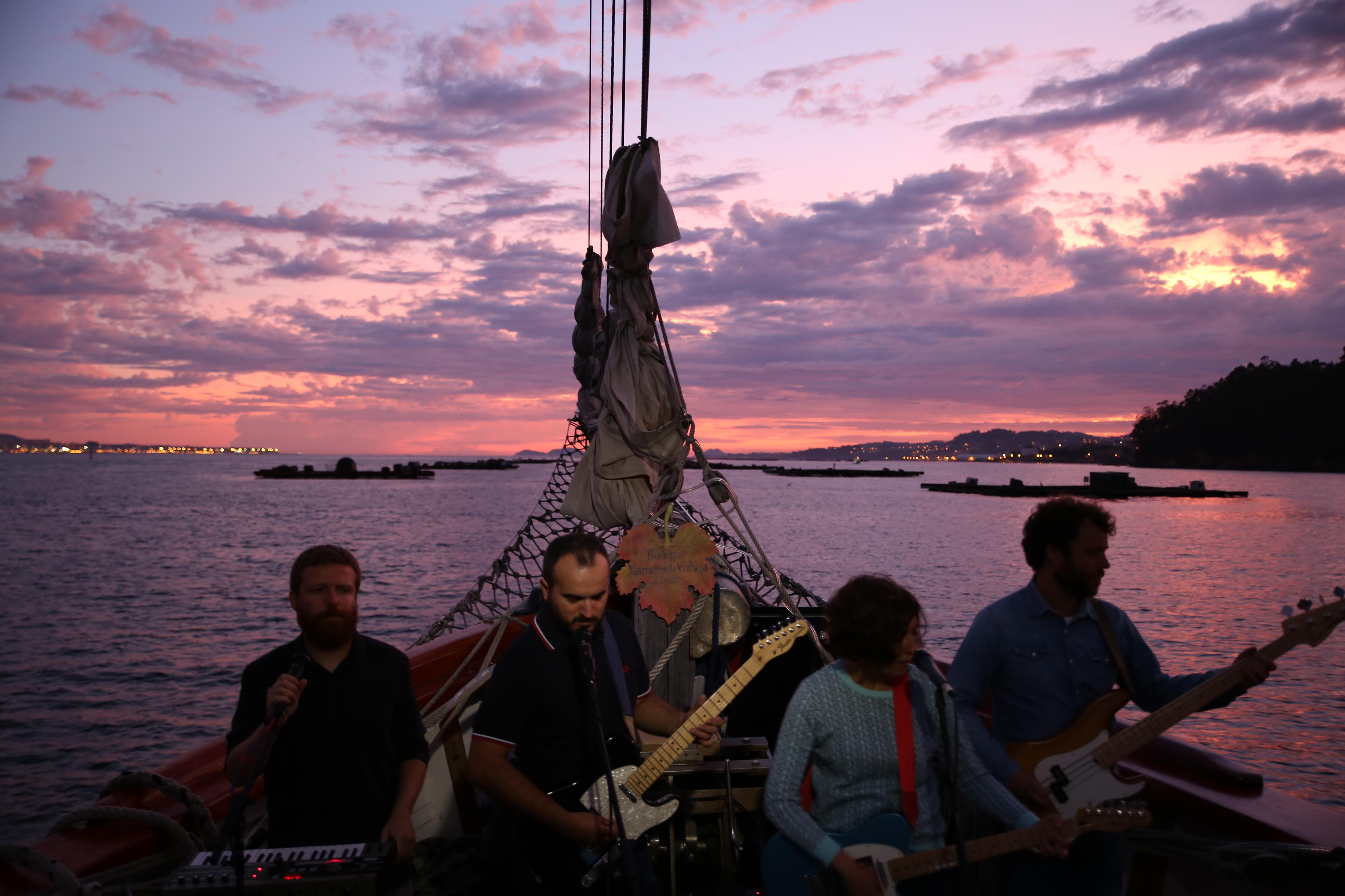 conciertos a bordo puesta de sol