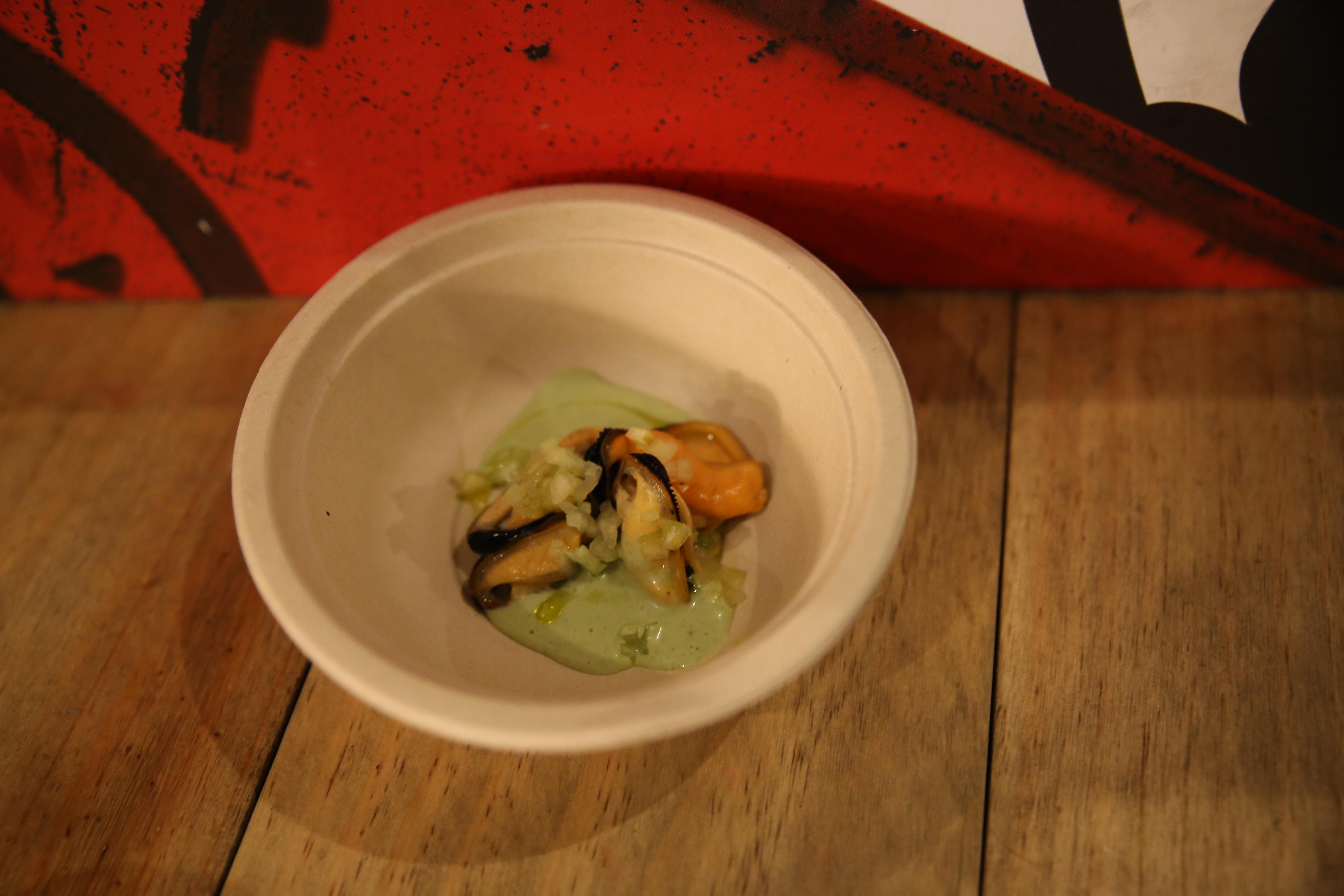 Ruta 41 Ruxe Ruxe Mejillones con leche de coco al cilantro