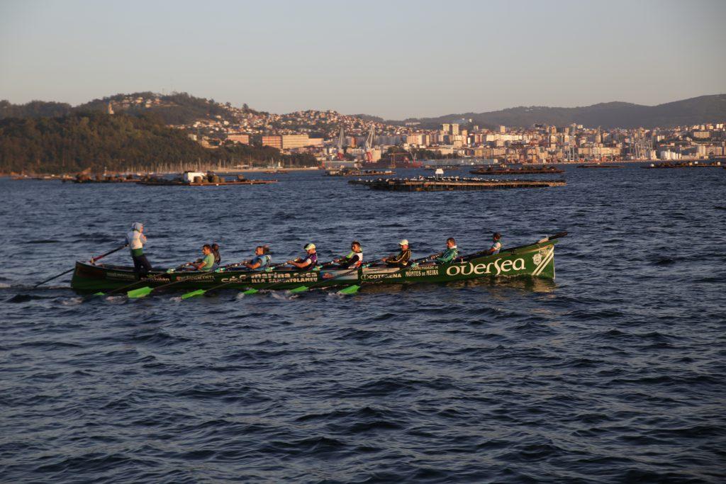 Trainera embarcacion gallega tradicional