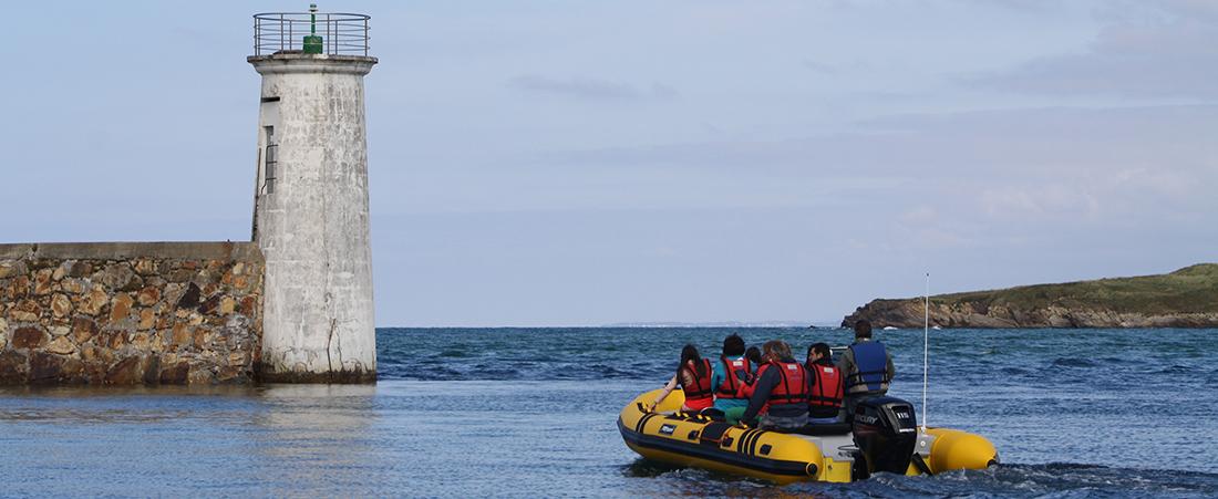 en barco por la costa de Lugo