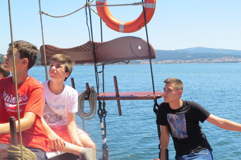 paseo en barco ría de muros y noia