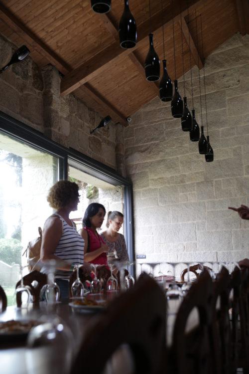 sala_degustacion_botellas_vizhoja