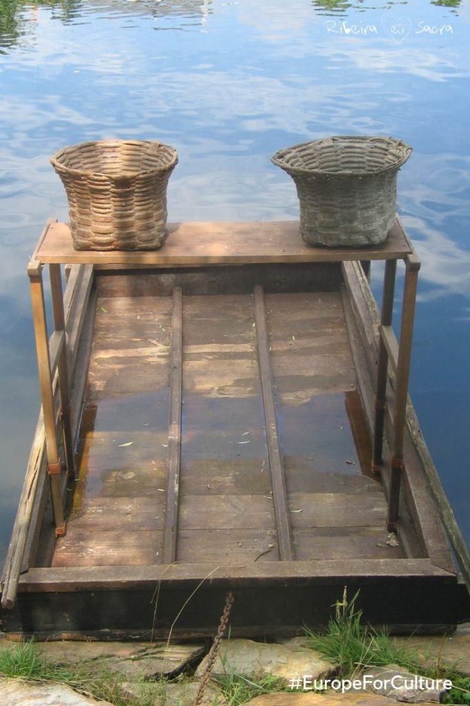 embarcaciones tradicionales de río
