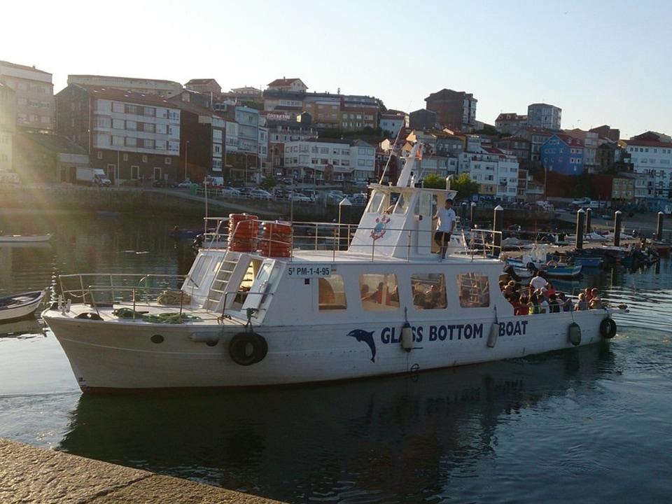 Barco puesta de sol Finisterre